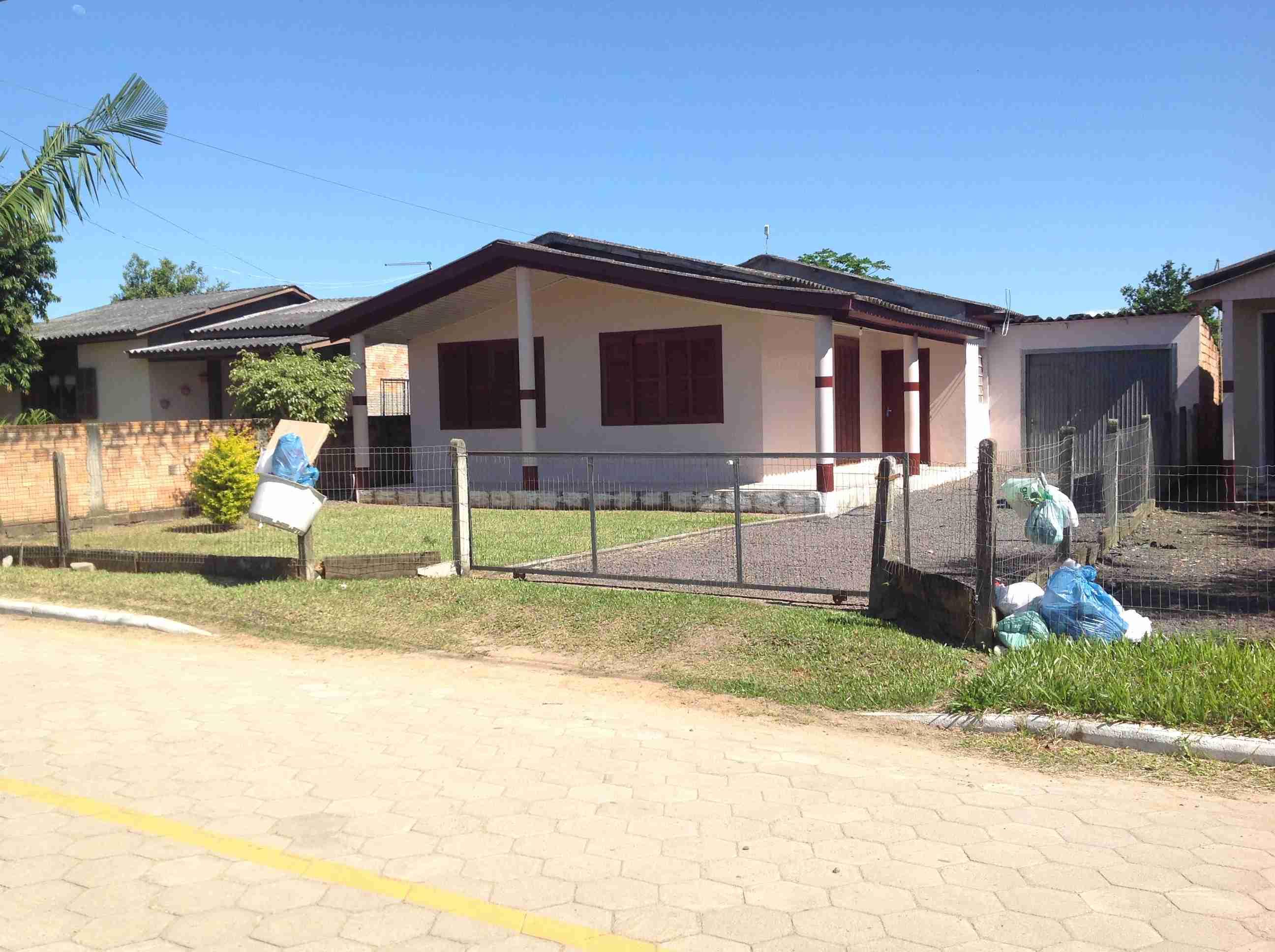 Casa material (091) 8×16:128m2, 3 quartos,sala,cosinha,área  de serviço,banheiro,garagem,lote 12.7X31.1:394m2