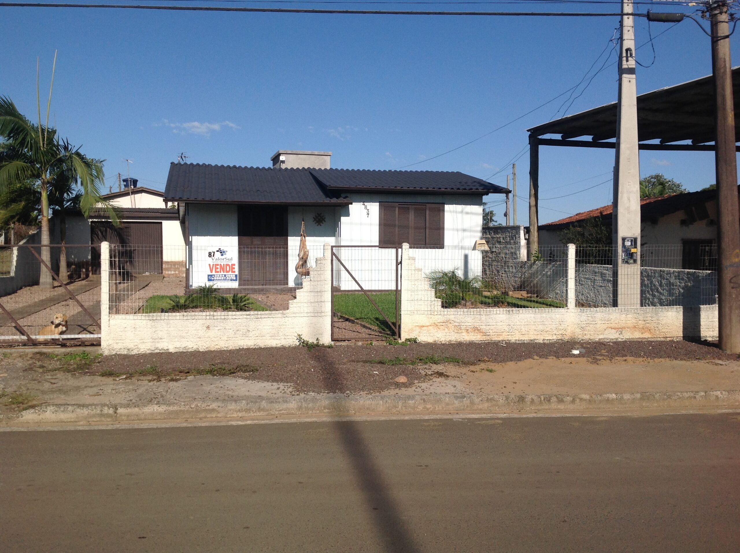 Imóvel ( 087 )01 casa 9×9 2 dormitórios,sala cozinha, banheiro,área serviço,acompanha móveis sob medida da cozinha,garagem churrasqueira,lote 14×30 margens BR101